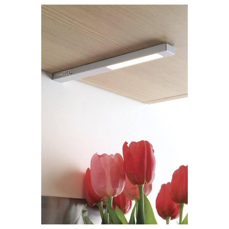Spot LED en applique sous meuble haut en situation