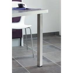 Pied de table carré en inox en situation