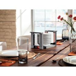 Range assiettes pour tiroir de cuisine sur la table